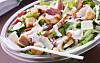 IKKE BARE SUNT: Salat er ikke lik sunt. Det spørs helt hva du har i den. Foto: Colourbox